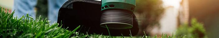 Roçadeira, aparador e cortador de grama: diferenças e funcionalidades